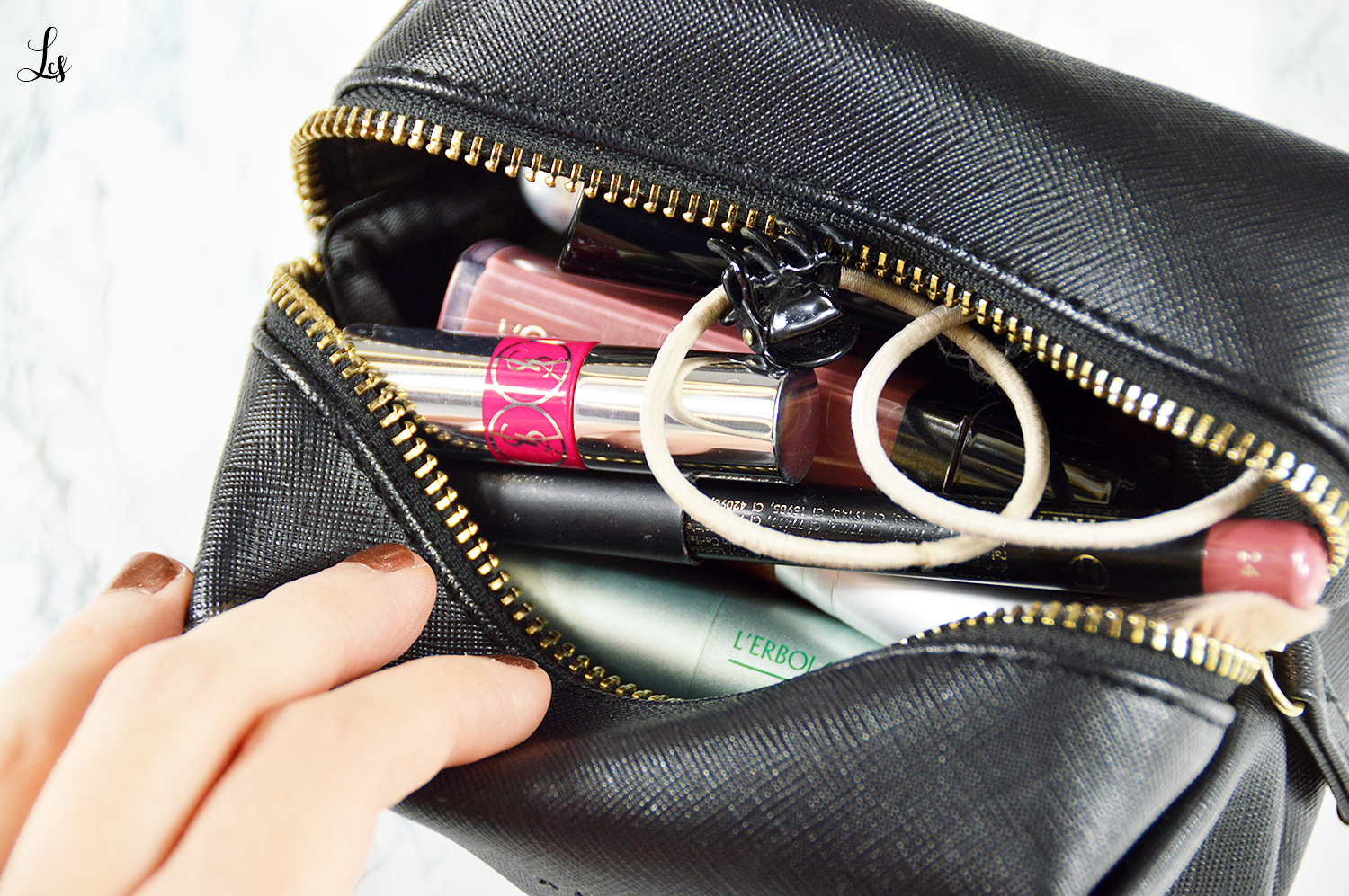 whats-in-my-makeup-bag