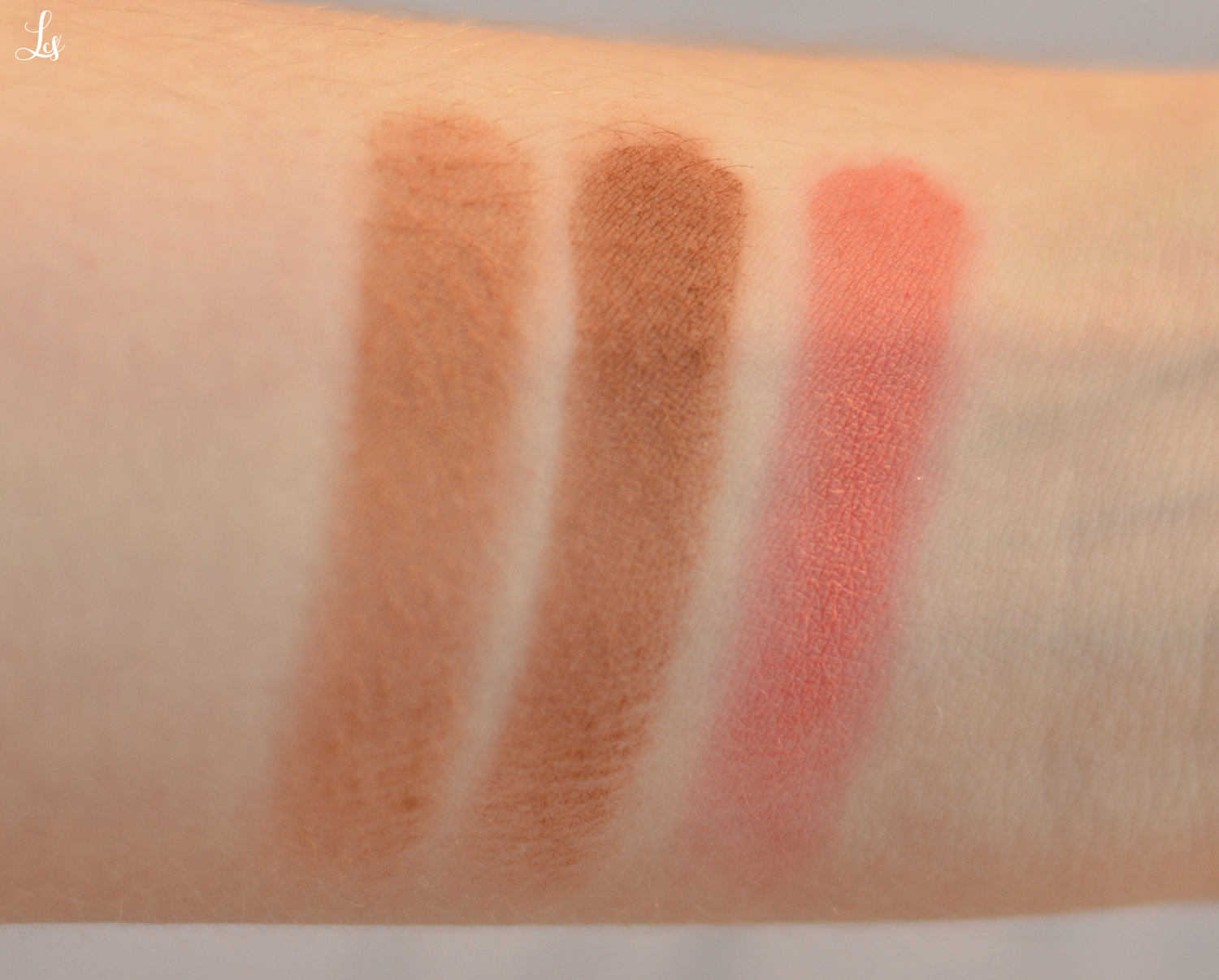 labo makeup contouring palette swatches